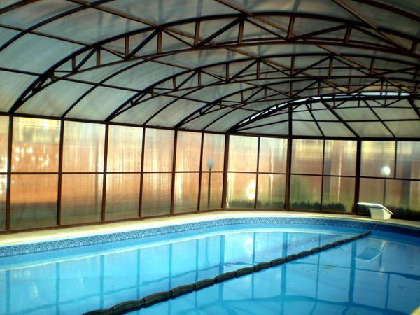 Навесы для бассейнов: виды и особенности конструкции