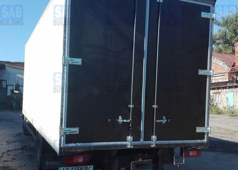 Ворота на грузовик вид сзади