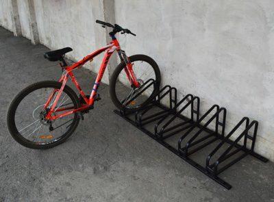 Велопарковка с креплением за колесо