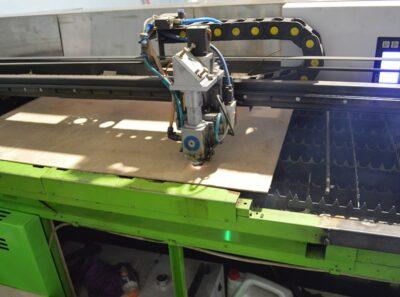 Лазерное производство подставок для бутылок