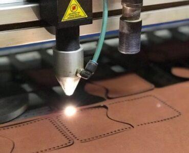 Лазерная порезка кожи, поролона и других эластичных материалов