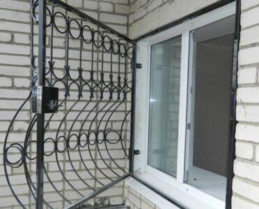Распашные решетки на окна Харьков