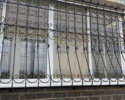 Кована решетка на балкон