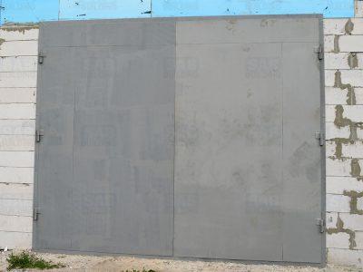 Ворота для гаража на трех петлях